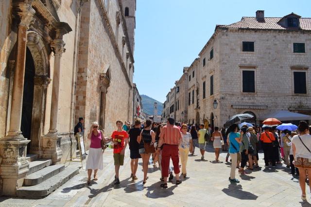 クロアチア旅行は服装選びが難しい