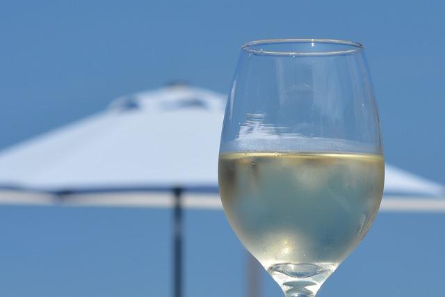 wine-558876_640