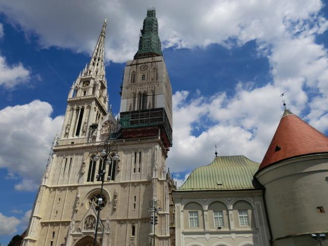 ザグレブのシンボルのひとつ、大聖堂