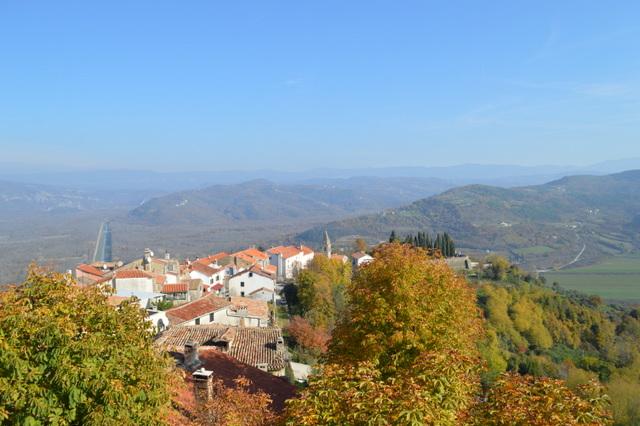 モトブンの町からの眺め