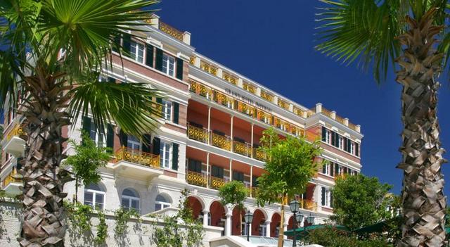 1895年から建つ老舗ホテル (C) Hilton Worldwide