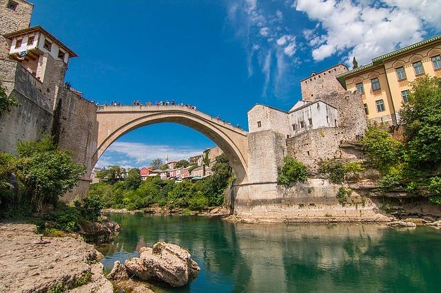 世界遺産の町「モスタル」