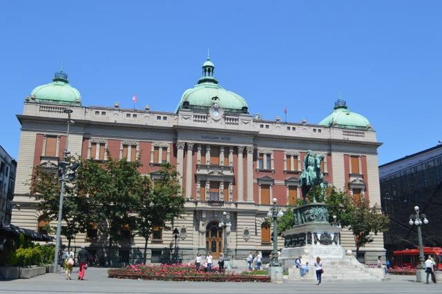 ベオグラードの共和国広場。ザグレブの「イェラチッチ広場」のような存在?!