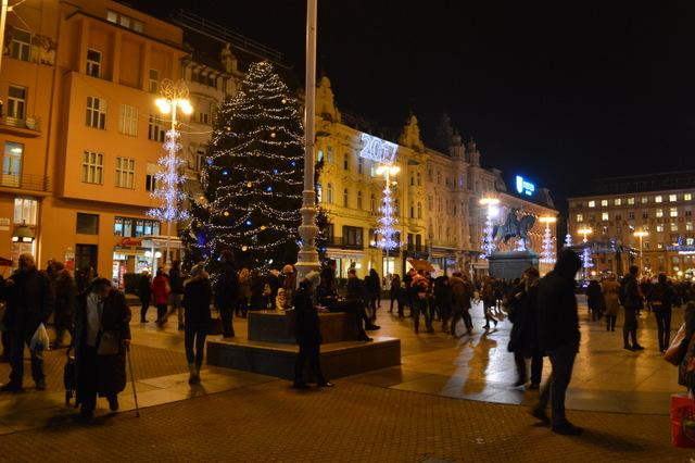 イェラチッチ総督広場