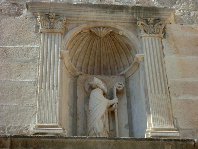 ドブロブニク旧市街にある聖ヴラホの像